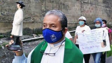 Photo of Alfredo Infante, un jesuita ejerciendo el sacerdocio en medio de guerras y conflictos