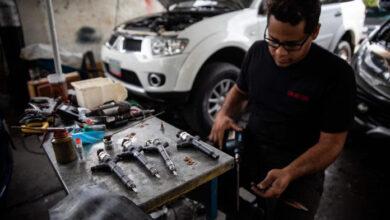 Photo of «La gasolina parece jugo de tamarindo»: el parque automotor venezolano víctima de la baja calidad del combustible