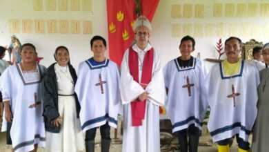 Photo of Ecuador: Monseñor Cob confiere ministerios a comunidades indígenas