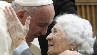 Photo of El Papa a los ancianos: Dios envía ángeles para consolar nuestra soledad