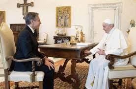 Photo of El Papa conversa durante 40 minutos con el Secretario de Estado de EEUU en el Vaticano