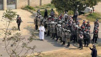Photo of Continúa la violencia contra la Iglesia en Myanmar y siete sacerdotes han sido detenidos estos días