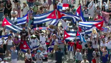 Photo of Francisco exhorta a «construir en paz, diálogo y solidaridad, una sociedad cada vez más justa y abierta» en Cuba