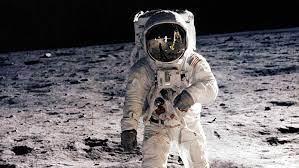 Photo of La sorprendente relación entre la Virgen y los astronautas que llegaron a la Luna