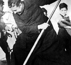 """Photo of San Alberto Hurtado, fundador de """"El Hogar de Cristo"""""""