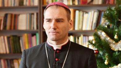 Photo of Mons. Butkevich: «Las distinciones entre confesiones se desvanecen cuando se trata de salvar a las personas»