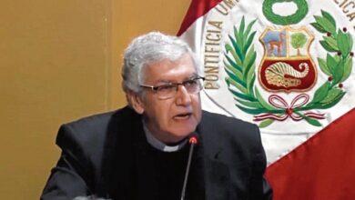Photo of Arzobispo propone reemplazar sacerdotes por laicos como párrocos