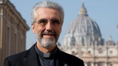 Photo of Mons. Marín de San Martín: el Sínodo «no es un evento, sino un proceso»