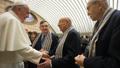 Photo of La respuesta desde el Vaticano al Rabino molesto con el Papa Francisco