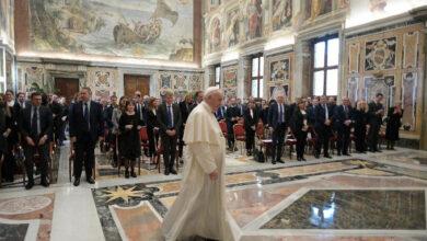 Photo of Papa Francisco: «El aborto es un asesinato y no es lícito hacerse cómplice del mismo»