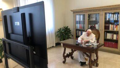 """Photo of El Papa a los poderosos: """"Quiero pedirles en nombre de Dios…"""""""